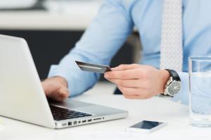 Kreditkarte-beantragen-so-funktioniert-es